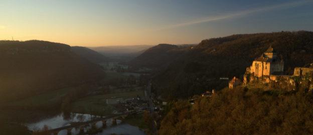 photo du chateau de castelnaud en drone